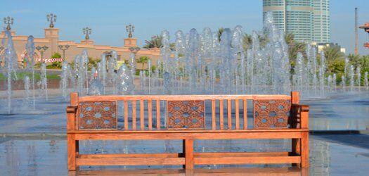 Emirates Palace esterno: i giochi d'acqua delle fontane